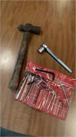 Hammer, ratchet, hex key set