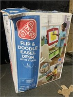 Step2 Flip&Doodle Easel Desk