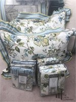 Queen Sized Croscill Bedding