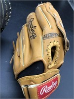 Rawlings and Wilson Kids Gloves