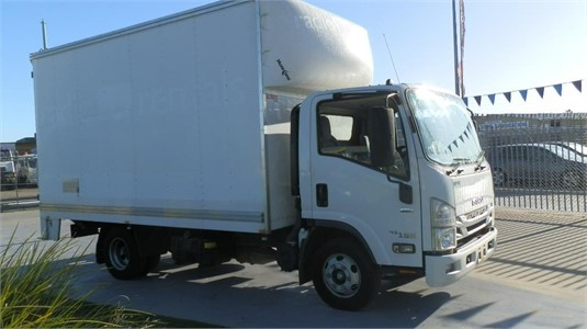 2016 Isuzu NPR 200 AMT Premium - Trucks for Sale