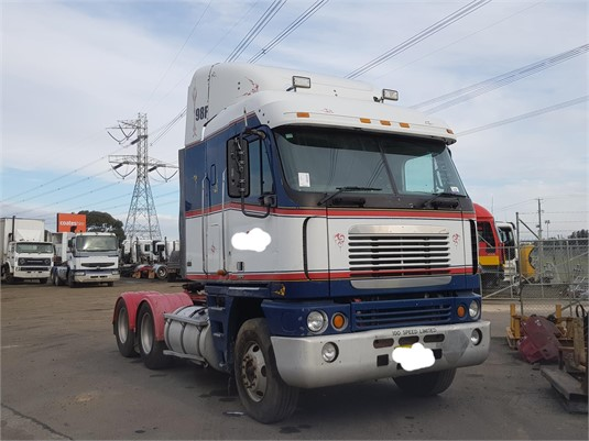 2004 Freightliner Argosy - Trucks for Sale