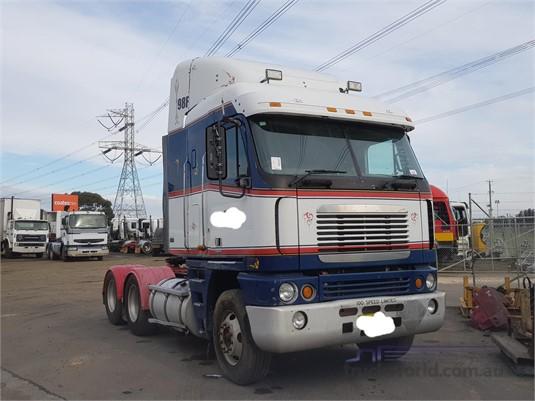 2004 Freightliner Argosy - Trucks for Sale