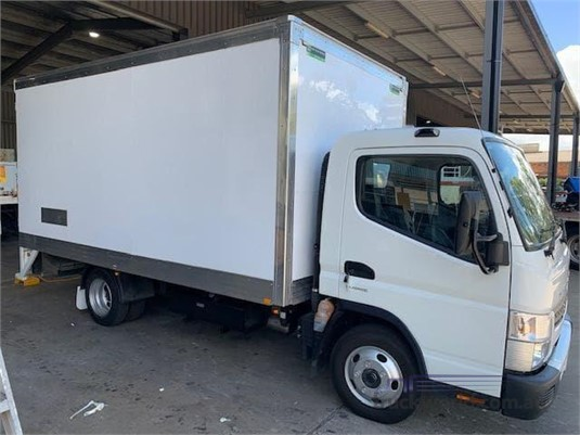2017 Mitsubishi Fuso CANTER 515 - Trucks for Sale