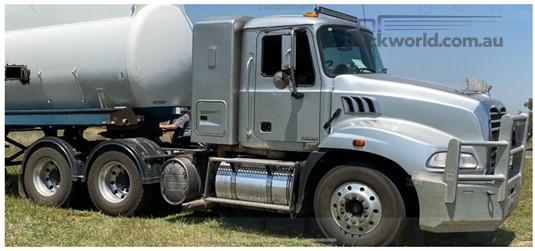 2012 Mack CMMT - Trucks for Sale
