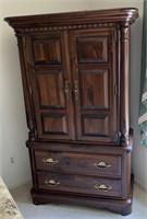 Ethan Allen rustic 4pc pine bed room set