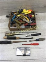 BOX LOT OF SCREWDRIVERS AND NUT DRIVERS