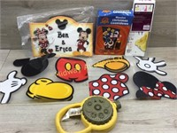 BOX LOT WITH DECORATIONS. MICKEY AND MINNIE SIGN