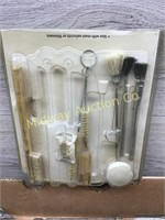 BOX FULL TORCH HEAD/ TORCH STRIKERS/ WIRE BRUSHES/