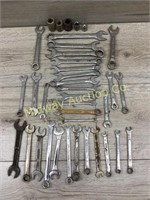 MIXED BAG OF VARIOUS WRENCHES AND SOCKETS