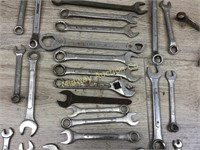 MIXED BAG OF VARIOUS WRENCHES W ANGLES