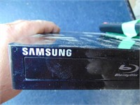 Samsung Blueray DVD Player with Remote