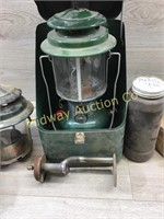 OLD COLEMAN LIGHT WITH METAL CASE/ COLEMAN LIGHT P