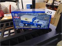 NAPA 1958 GMC Straight Truck
