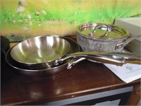 Portable Induction Cooktop w/ (3) Induction Pans