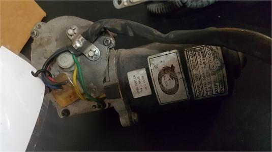 0 Mack E108011 Wiper Motor - Parts & Accessories for Sale