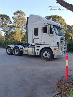 2010 Freightliner Argosy 101 - Trucks for Sale