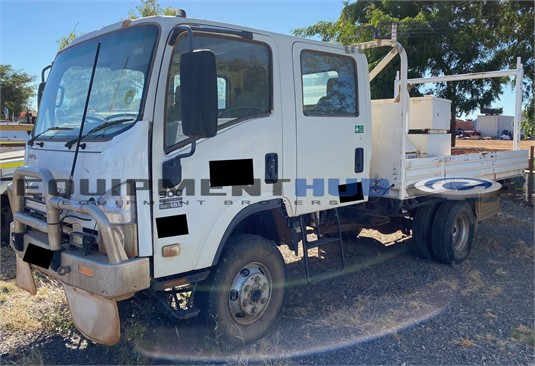 2008 Isuzu NPS - Trucks for Sale