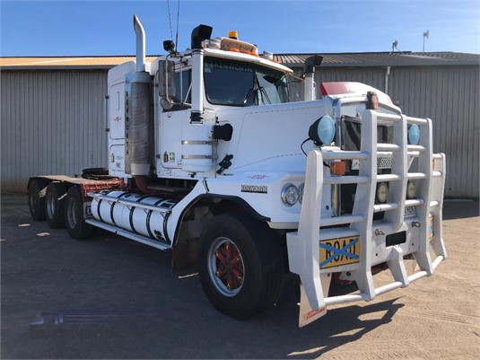 2004 Kenworth C500 - Trucks for Sale