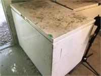 shop freezer, runs, bring help to load, seal not
