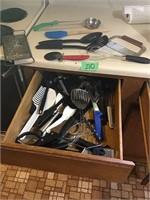 everything in drawer of utensils