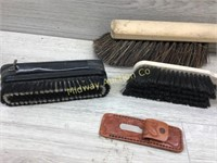 VARIOUS BRUSHES