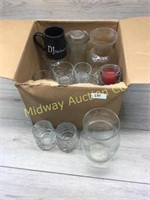 BOX OF GLASS MUGS/ VASES AND MISC GLASSWARE