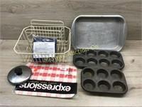 DISH DRAINER/ BAKE PANS