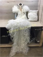 WEDDING GOWN WITH BEADED BODDICE APPROX SIZE 2