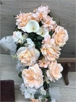 3 WOOD WALL SHELVES / BOQUET OF FLOWERS