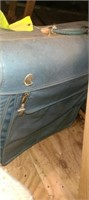 Lot of 2 vintage suitcases