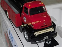 Texaco 1953 Ford C-600 With Tanker Body Die Case