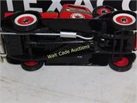 Texaco 1936 Dodge Pickp with Oil Drums - Die Cast