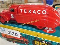Texaco Dodge 1939 Airflow - Die Cast Locking Coin