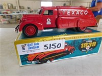 Texaco Dodge 1939 Airflow - Die Cast Locking Coin