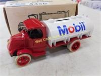 Mobil - 1926 Mack Tanker - Die Cast Bank  - 1/38