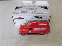 Mobil Oil - 1949 Chevrolet Panel Truck - 1/34 -