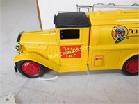 1930 Diamond T Tanker Truck - Check the Oil -