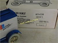Ford 1913 Model T Delivery Van - Dominos Pizza -