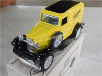 Ford 1932 Panel Van - Cushman - Die Cast Bank -
