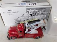 Diamond T - 1955 Diamond T Tow Truck -  1/25 - By