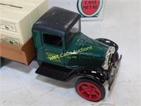 John Deere - 1913 Model T - Die Cast Bank - 1/25