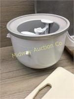 ICE CREAM MAKER/ STONEWARE/ BAKING SHEETS/ KNIFE