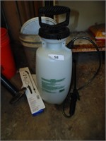 2 Gallon Sprayer w/Extra Nozzle