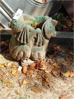 Concrete Frog Planter - Needs Painted