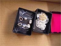 Avon Necklace & Earrings