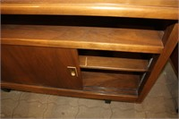 "SIDEBOARD SERVER 48"" X 20"" X 30"""