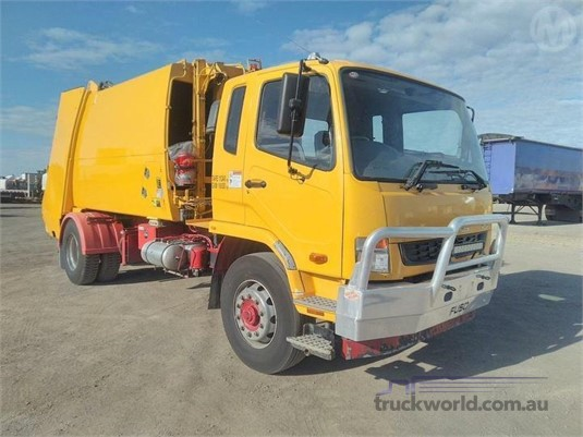 2015 Mitsubishi Fuso Fighter Fm600 - Trucks for Sale