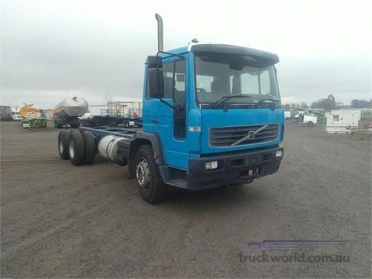 2002 Volvo FL6 - Trucks for Sale