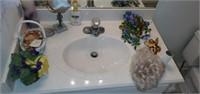 Contents of Bathroom Decor